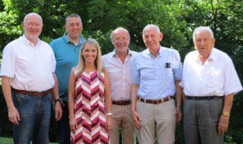 Dr. Ortwin Sprenger, Nils Weigand, Wiebke Knell, Dieter Posch (Kreisausschuss), Prof. Ludwig-Georg Braun und Georg Albert (Fraktionsgeschäftsführer) (v.l.). Foto: Ute Müller-Hilgenberg