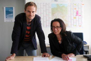Haben ein Netzwerk aufgebaut: IHK-Flüchtlingskoordinator Enrico Gaede und Dr. Roswitha Wöllenstein, Leiterin des Teams Fachkräfte. Foto: IHK