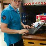 Betreuer Andre Horchelhahn sorgte für die Ergebnisdurchsagen auf facebook. Foto: SG 09 Kirchhof