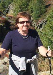 Geht privat gerne Bergwandern: Vera Jünemann aus Felsberg, die heute ihr 40-jähriges Dienstzubiläum feiert. Foto: nh