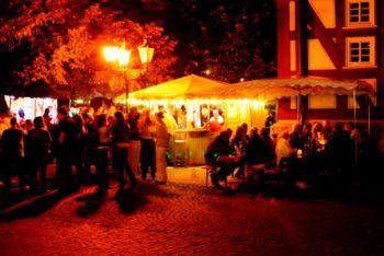 Gemütliche Atmosphäre auf dem Marktplatz von Melsungen. Foto: nh