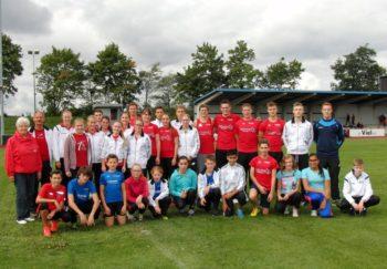 Die Männer und Frauen der MT 1861 Melsungen holten im Vorjahr souverän die ersten Plätze und damit die Pokal der Kreissparkasse. Foto: nh