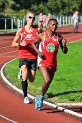 3000m-Sieger Lorenz Funck - hier noh hinter dem Borkener Haile Eskete aus Äthiopien, lief ein gutes taktsiches Rennen. Foto: nh