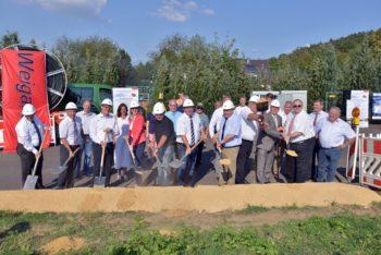Der offizielle Spatenstich zum Breitbandausbau in Nordhessen erfolgte in Knüllwald-Remsfeld. Foto: nh
