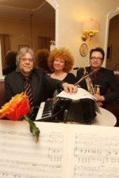 Tango zu dritt – das Marburger Trio gastiert am 24. September in der Hephata-Kirche. Foto: nh