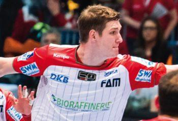 Finn Lemke noch im alten Dienstzwirn. Foto: Alibek Käsler