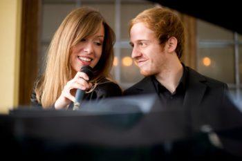 Das Sentimental Duo: Katja Friedenberg (Gesang) und Thomas Höhl (Klavier). Foto: nh