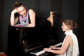 Two Lounge: Nicole Jukic (Gesang) und Lisa Sommerfeld (Klavier). Foto: nh