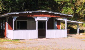 Die frisch renovierte Wasserfallhütte in Christerode. Foto: nh