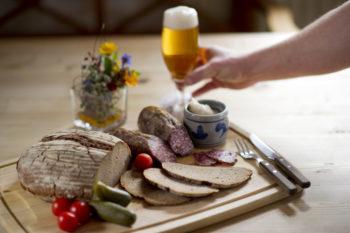 Bereits zum 5. Mal findet am 23. Oktober der Ahle-Wurscht-Tag im Löwenhof in Lohfelden statt. Foto: GrimmHeimat NordHessen
