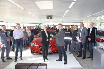 Herr Jacob (Bösser), Herr Liese (BerufsschulCampus), Herr Bachmann (Bösser), Frau Knebel (BMW Group), Herr Klinder (BerufsschulCampus), Herr Thiel (BerufsschulCampus) und Herr Grögor (Kfz-Innung Ziegenhain) (v.l.). Foto: Heidrun Spenner