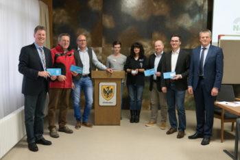 Bürgermeister Klemens Olbrich und Stadtverordnetenvorsteher Willi Berg (Neukirchen) mit weiteren Teilnehmern des Workshops Mobilität. Foto: nh