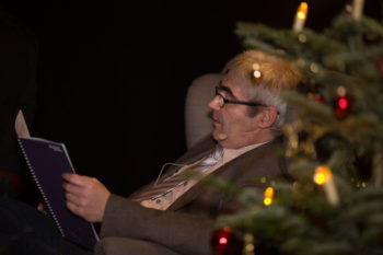 Schwalmstadts Bürgermeister Stefan Pinhard bei der Lesung. Foto: Hephata