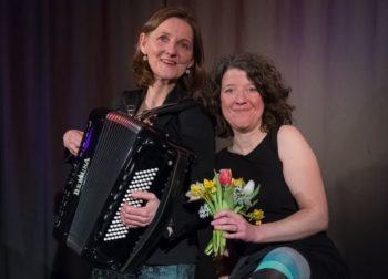 Christine Weghoff und Merle Clasen. Foto: nh