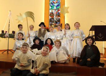 Das Krippenspiel der Integrativen Kindertagesstätte Hephatas begeisterte am Donnerstag Eltern, Großeltern und Geschwisterkinder. Foto: nh