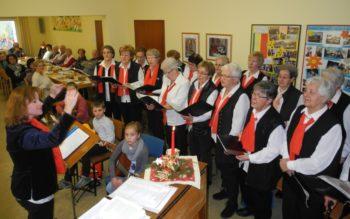 Die Mitglieder des Frauenchores unter musikalischer Leitung von der Dirigentin Frau Nonna Gieswein. Foto: nh