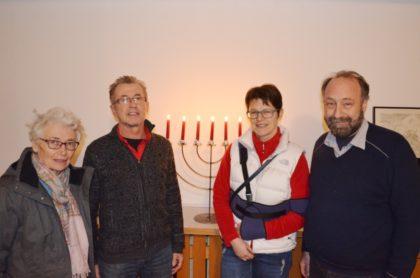 Fides Baumgart, Dr. Dieter Vaupel, Dr. Marion Regenbogen und Christopher Willing (v.l.). Foto: nh