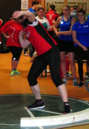 Lisa Arend verteidigte zum zweiten Mal ihren Kugelstoßtitel bei den nordhessischen Meisterschaften. Foto: nh