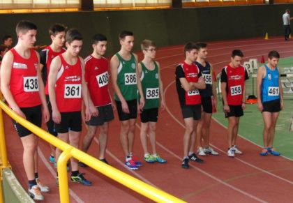 Unmittelbar vor dem 800-Meter-Start der Männer und Jugend. Foto: nh