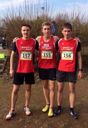 Das erfolgreiche MT-Trio bei den Landesmeisterschaften im Crosslauf in Trebur. Foto: nh