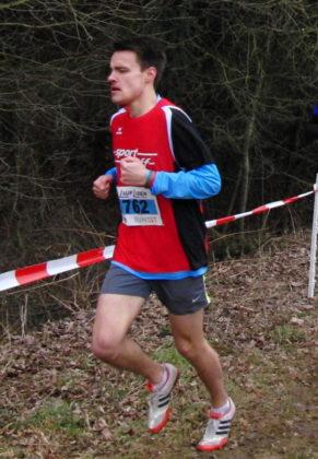 Christian Schulz überraschte die Konkurrenz mit der Vizemeisterschaft auf der Mittelstrecke der Männer. Foto: nh