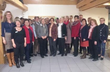 Gruppenfoto mit den beiden Frauenbeauftragten des Schwalm-Eder-Kreises Gerlinde Eckhardt und Bärbel Spohr und Landrat Winfried Becker. Foto: nh