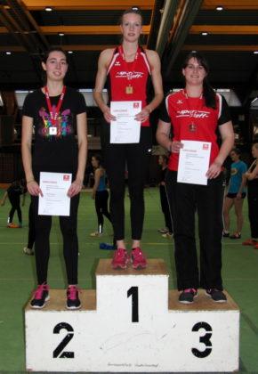 Katharina Wagner holte sich den Mehrkampftitel mit dem neuen Hallenrekord vor Titelverteidigerin Jasmin Kapaun und Lisa Arend. Foto: nh