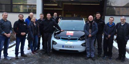 Erfolgreiche Kraftfahrzeugmechatroniker in Schwalmstadt. Foto: Berufsschule Schwalmstadt