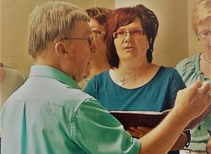 Chorleiter Klaus Fabian kann auf eine 50-jährige Chorleitertätigkeit zurückblicken. Foto: nh