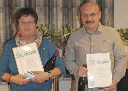 Brunhilde Bartels und Uwe Bielert sind seit 50 Jahren Vereinsmitglieder. Foto: SG 09 Kirchhof/Carina Kühlborn