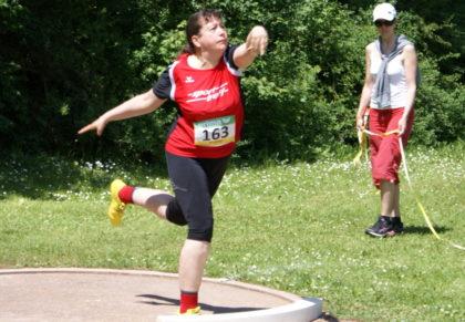 Monika Groh holte sich die Bronzemedaille im Kugelstoßen der W45. Foto: nh