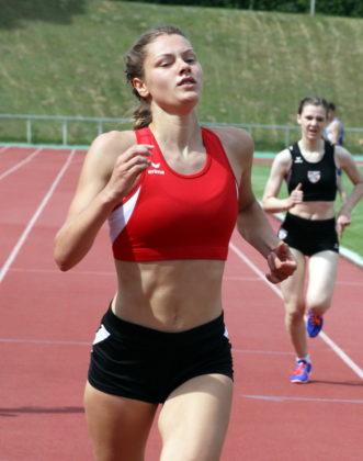 Nach ihrem Sieg bei den Kreismeisterschaften über 100 Meter sicherte sich Nele Grenzebach den Nordhessentitel über 200 Meter. Foto: Lothar Schattner