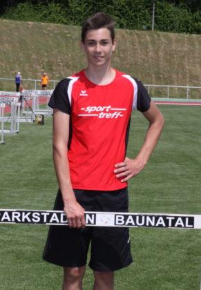 Yannick Schleider holte sich nach seinem Sieg bei den Kreismeisterschaften nun auch den Titel eines Nordhessenmeisters über 400m Hürden in der MU18. Foto: Lohtar Schattner