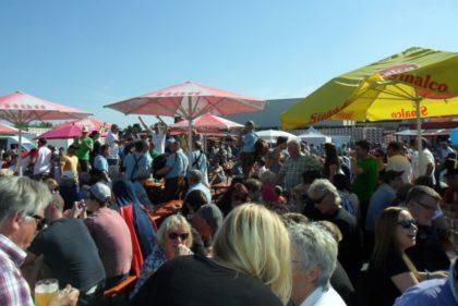 Stimmung auf dem Hütt-Brauereifest. Foto: nh