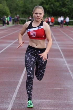 Die 14-jährige Franka Scheuer imponierte mit 13,56 und 13,79 Sekunden über 100 Meter und hatte im Zweikampf mit 1007 Punkten einen Vorsprung von mehr als 200 Zählern. Foto: Lothar Schattner