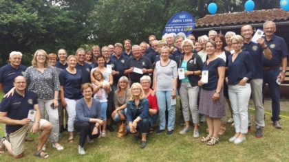 Die Mitglieder des Lions Clubs Homberg mit Ihren Frauen. Foto: Gert Wenderoth