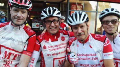 Mit guter Laune beim Radmarathon in Bimbach dabei (v. l.) Timo Zarth, Dieter Vaupel, Stephan Warlich und Christian Sippel. Foto: nh