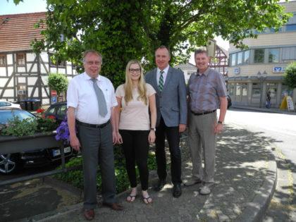 Bürgermeister Norbert Miltz, Nadine Steinmetz, Bürgermeister Klaus Wagner und Bürgermeister Klemens Olbrich (v.l.). Foto: nh