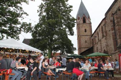 Das Weindorf an der Totenkirche. Foto: nh