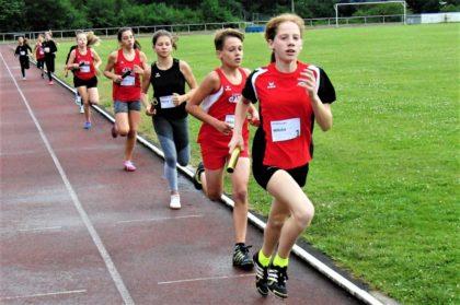 Pia Gille lief als Startläuferin in der WU14 ein großartiges Rennen. Foto: nh