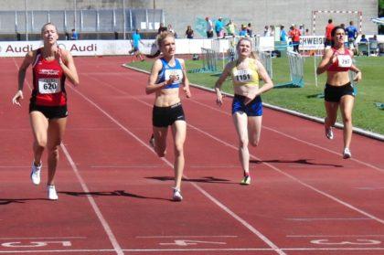 In einem spannenden 400-Lauf setzte sich Katharina Wagner (620) mit 59,20 Sekunden vor Lea Griebsch (Holzgerlingen, 59,37) und Myleen Urbansky (Weissach, 59,84) durch. Foto: nh