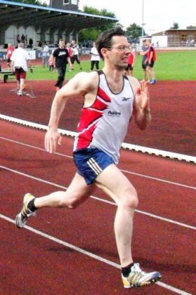Sascha Holzhauer überraschte nach 20 Jahren -Leichtathletik-Abstinenz- mit dem 400m-Titel bei der M35. Foto: nh