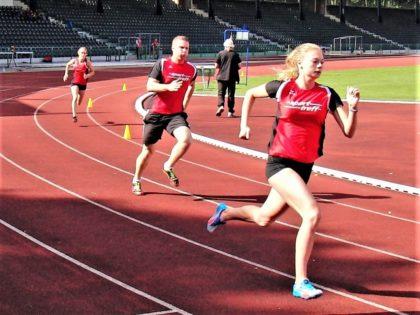 Jule Junghans steigerte sich in ihrem zweiten 400m-Lauf auf 67,11 Sekunden. Foto: nh