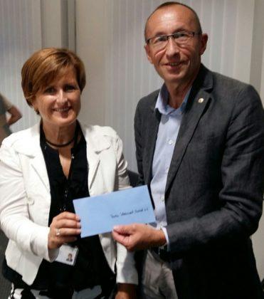 Personalvorstand und Arbeitsdirektorin Birgit Dilchert und Lions-Präsident Christian Engel. Foto: Gert Wenderoth