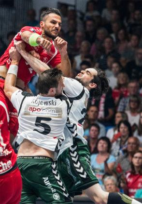 Szene aus dem letzten Aufeinandertreffen beider Clubs Anfang Juni diesen Jahres in Kassel. Die MT gewann dieses Spiel mit 28:26. Foto: Alibek Käsler