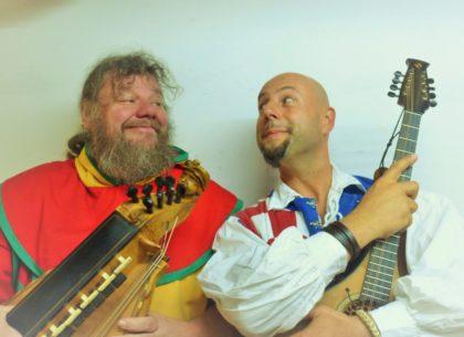 """Das Komiker-Duo """"Pampatut"""" wird den Markt an beiden Tagen um 10 Uhr eröffnen und den ganzen Tag lang Unsinn treiben. Foto: nh"""