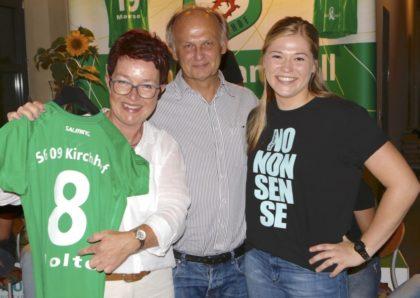 Kornelia Nolte und Jürgen Steuer hatten sich im letzten Jahr für Laura Nolte und Frederikke Siggaard entschieden. Ob Sie verlängern entscheidet sich am Freitagabend? Foto: nh