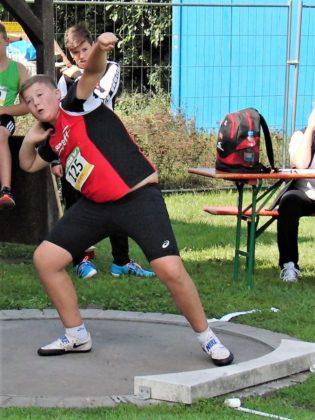 Mit 12,91 m verbesserte Luis Andre den nordhessischen Rekord im Kugelstßen der M12. Foto: nh