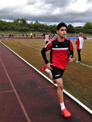 Navtej Dhaliwal überraschte mit dem zweiten Platz über 800 Meter. Foto: nh