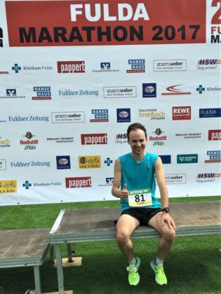 Erschöpft und zufrieden: Steven Brodführer nach dem 21,1-Kilometer-Lauf. Foto: nh